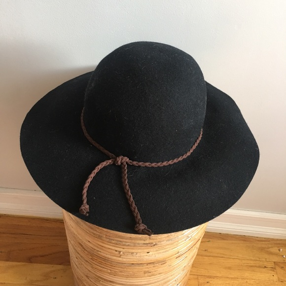 b5570f2a8 Wool hat with leather tie from world market